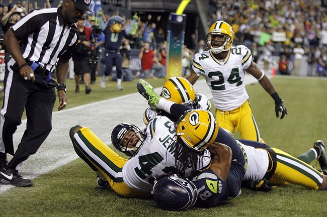 Packers vs  Seahawks: Twitter explodes in reaction to Monday