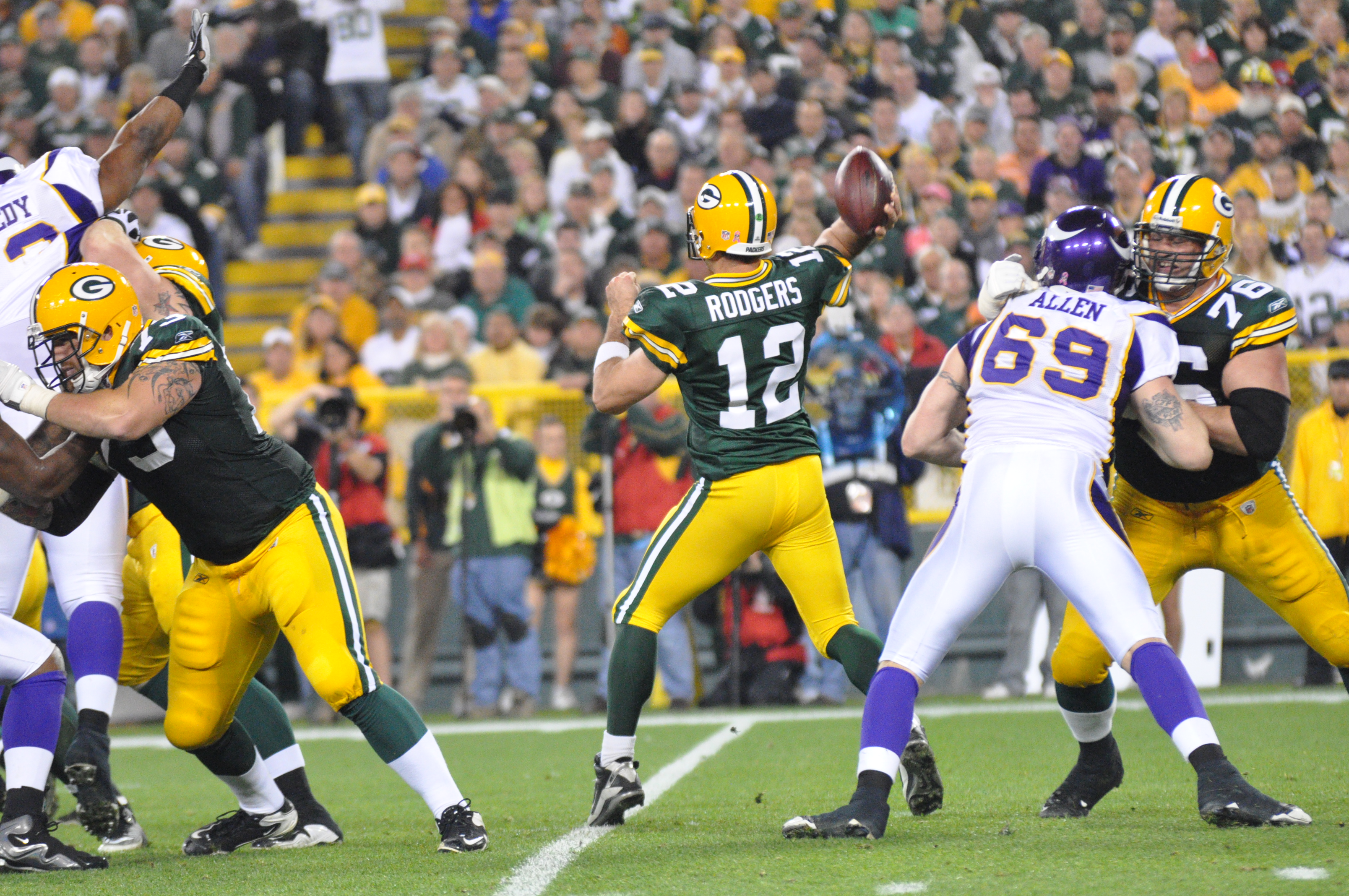 who do the green bay packers play today