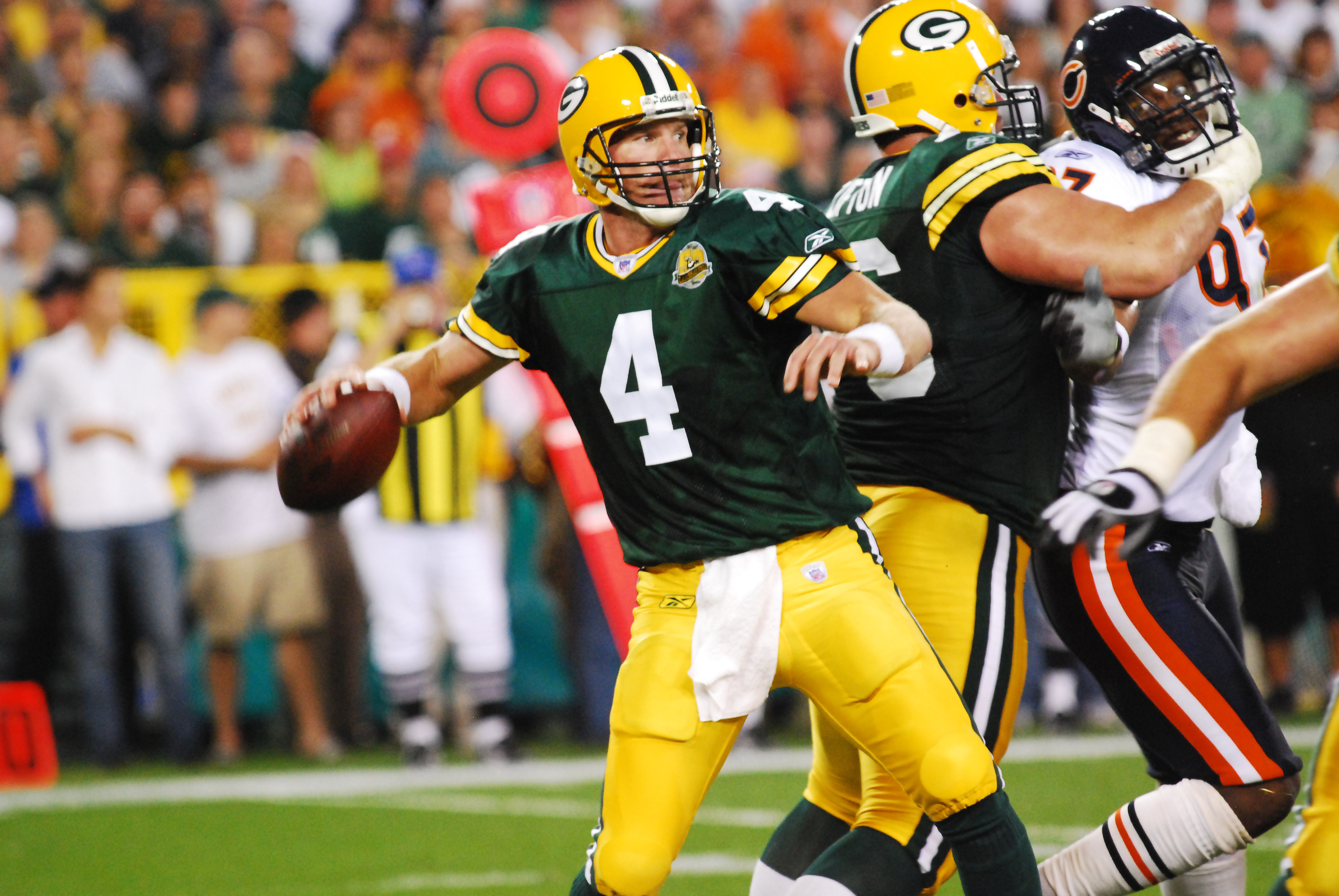 c25db986f57 It's been reported this afternoon that not only will the Chicago Bears  invade Lambeau Field to play the Green Bay Packers on Thanksgiving Night in  2015, ...
