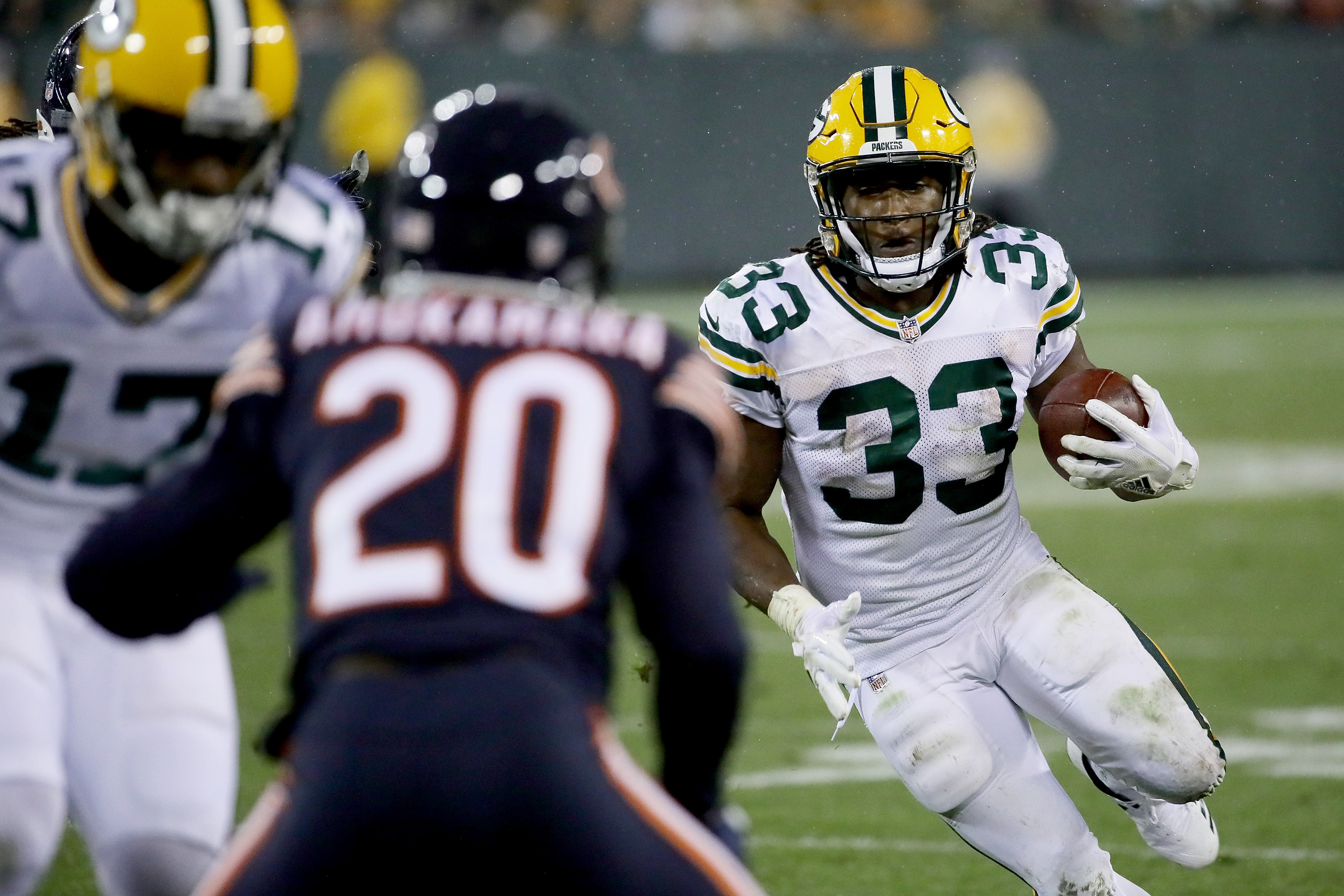 Green Bay Packers' Davante Adams Taken Off Field After Hit
